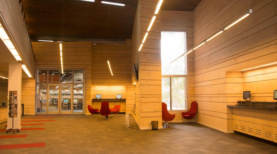 Biblioteca_UC_San-joaquín-4